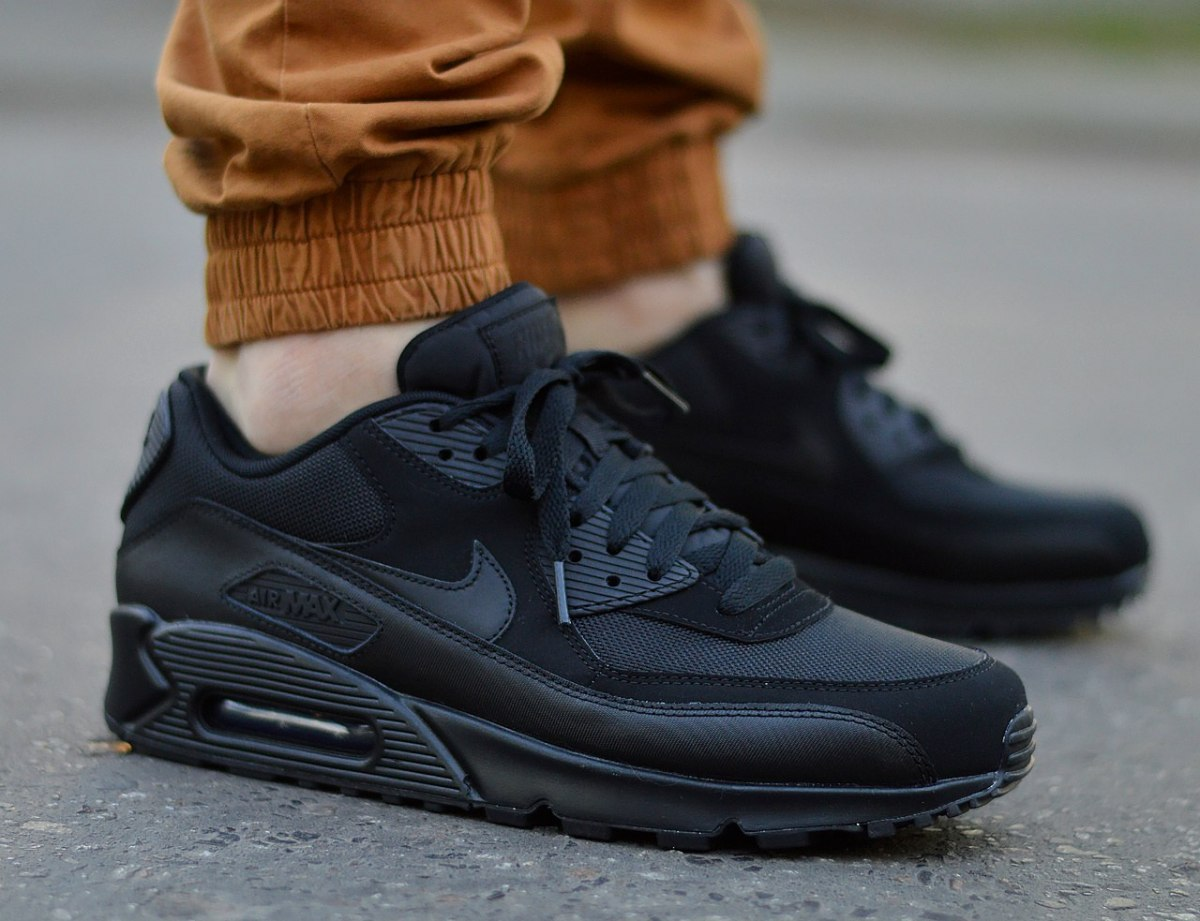hot sale online dd1a3 39f58 Details about Nike Air Max 90 Essential 537384-090 Men's Sneakers