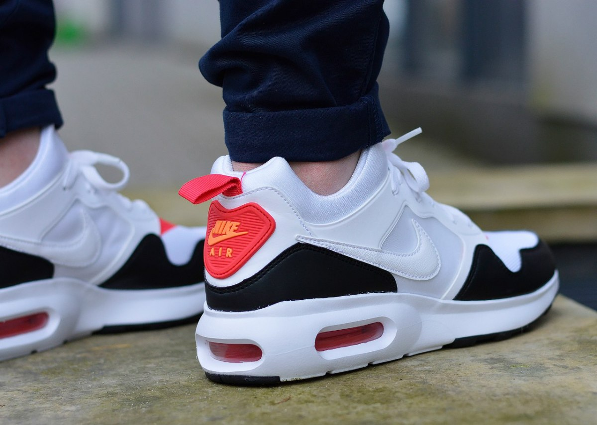 release date 11c65 c17cd Price119.00 USD. Brand  Nike  Category  Sneaker  Colour  White Black   Insole  25cm - 30cm. Model  Air Max Prime ...