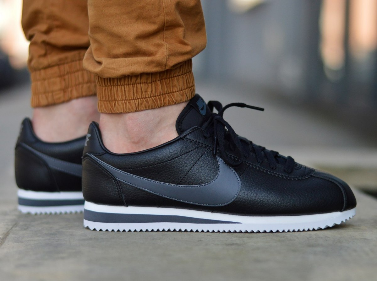 big sale 0ada8 e5501 Details about Nike Classic Cortez Leather 749571-011 Men's Sneakers